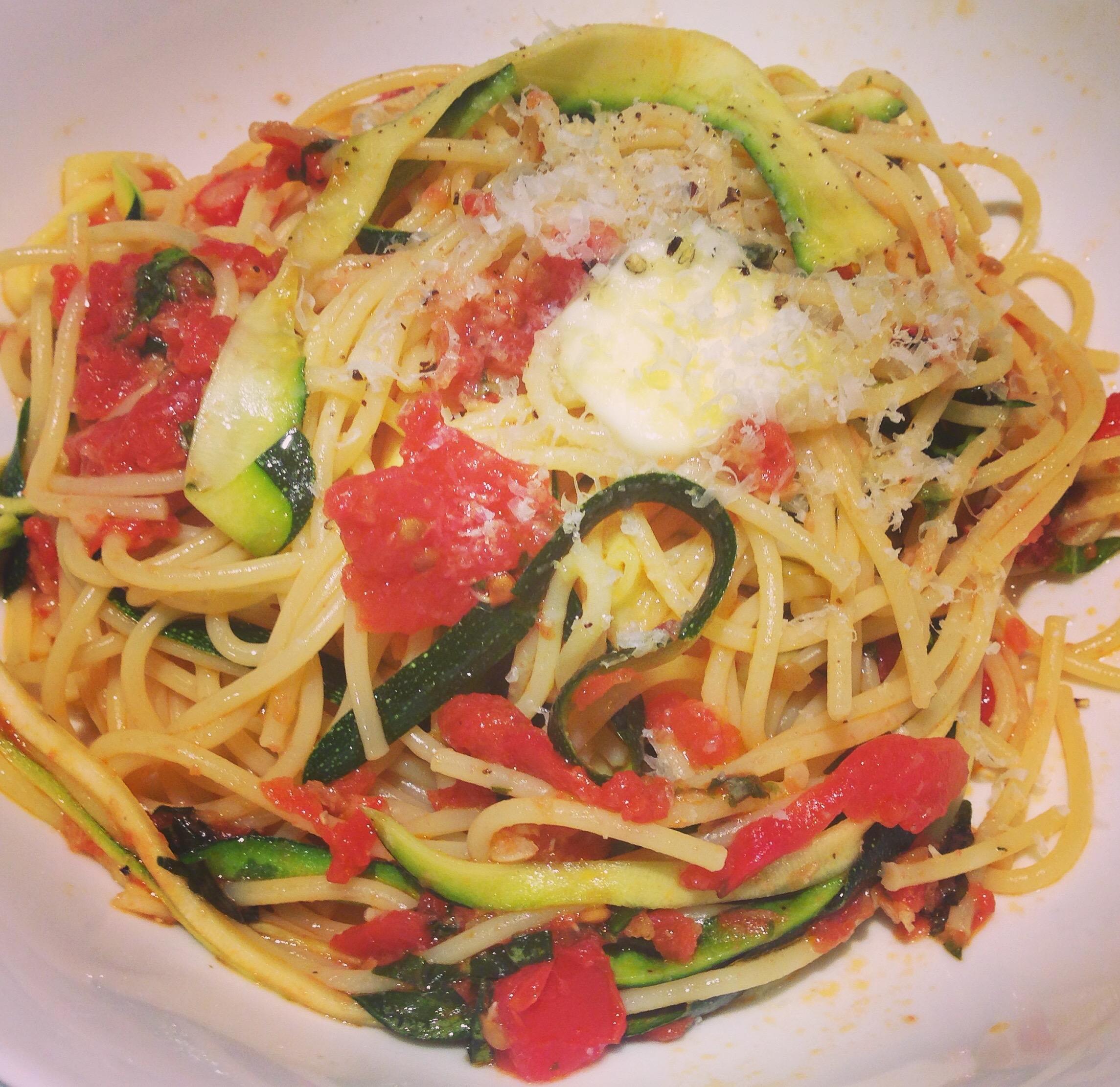 """Zucchini """"Pasta"""" With Fresh Tomato Sauce Recipe — Dishmaps"""